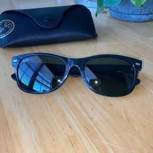 Ray-Ban Wayfarer Sunglasses (men's)